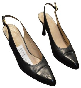 Chanel Leather Elliott Consignment Consignment Black Pumps