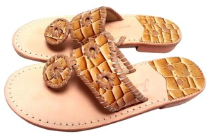 Jack Rogers Flat Thong Runs Narrow Slip-on Style Whip Stitching. Leather Brown cream Sandals