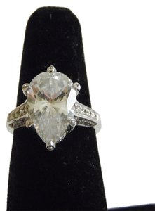 Victoria Wieck Victoria Wieck of Beverly Hills 14k White Gold Absolute Pear Shape Ring Size 7