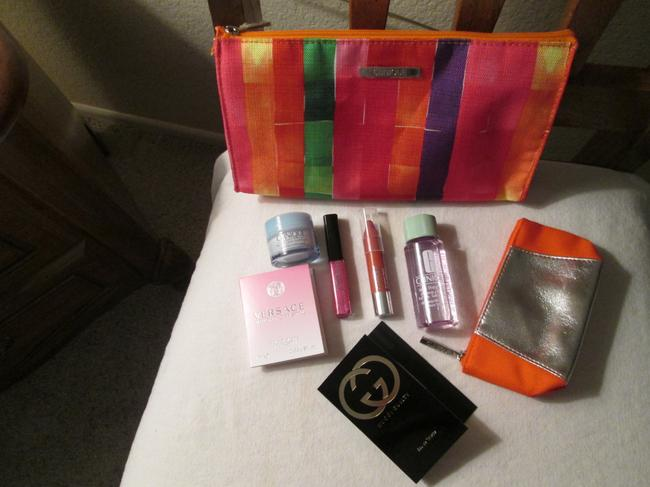 Item - Pink Purple Orange Yellow Green Design Up To Date Bundle Deal Includes: (8pc) 1 Pretty 1 Small Silver Purse Cosmetic Bag
