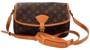 Louis Vuitton Vintage Leather Casual Cross Body Bag
