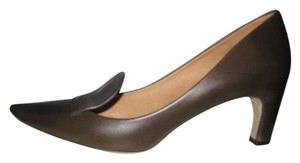 Marc Jacobs Kitten Heel Point Toe Leather Stitching Brown Pumps