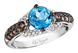 LeVian size 4.75, 14k, chocolate, vanilla diamonds, blue topaz ring