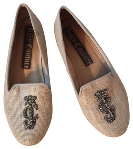 Juicy Couture Off white with Silver detailing Flats