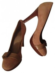 Bakers Tan Suede Pumps