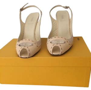 Fendi Off white, beige undertone Sandals