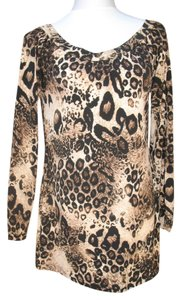 Newport News Top Leopard