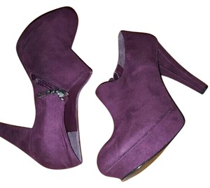Marc Fisher Faux Suede Zipped Stylish Burgundy Boots