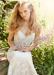 Ti Adora By Alvina Valenta 7550 Wedding Dress