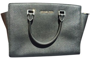 Michael Kors Selma Satchel in Black