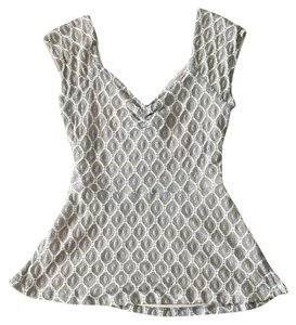 Deletta Anthropologie T Shirt gray and white