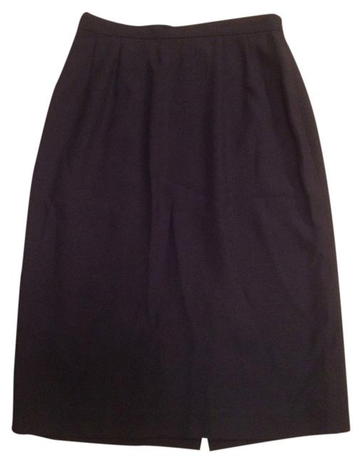 Preload https://img-static.tradesy.com/item/1842743/dark-navy-blue-classic-red-button-clasp-knee-length-skirt-size-petite-4-s-0-0-650-650.jpg