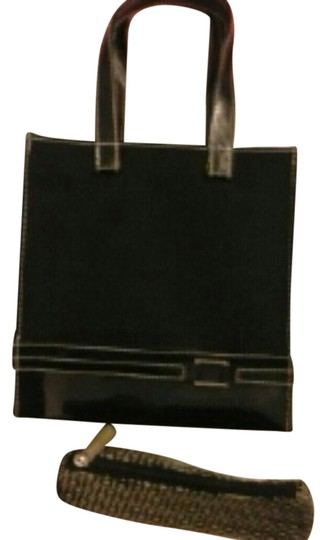 Preload https://item2.tradesy.com/images/estee-lauder-black-free-with-a-purchase-and-over-cosmetic-bag-1842761-0-0.jpg?width=440&height=440