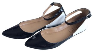 BCBG Paris Black/creama Flats
