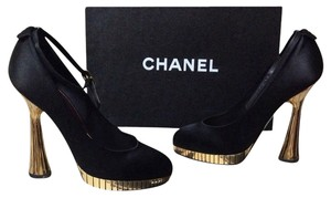 Chanel Black / Gold Pumps