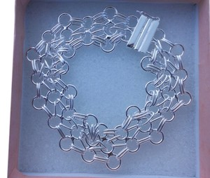 New Trendy Sterling Silver Circles Connected Bracelet, Beautiful on the wrist! size 7.5 inch, 11gms