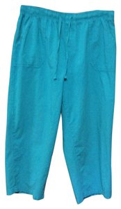 Basic Editions Capri/Cropped Pants Turquoise Blue
