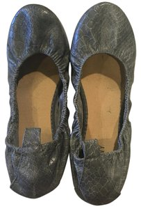 Old Navy Grey, snake skin Flats