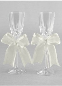 Simplicity Toasting Flutes By Ivy Lane Design