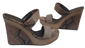 Donald J. Pliner Tan, taupe, and black Wedges