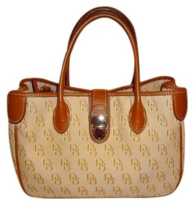 Dooney & Bourke Tote in Light Pink