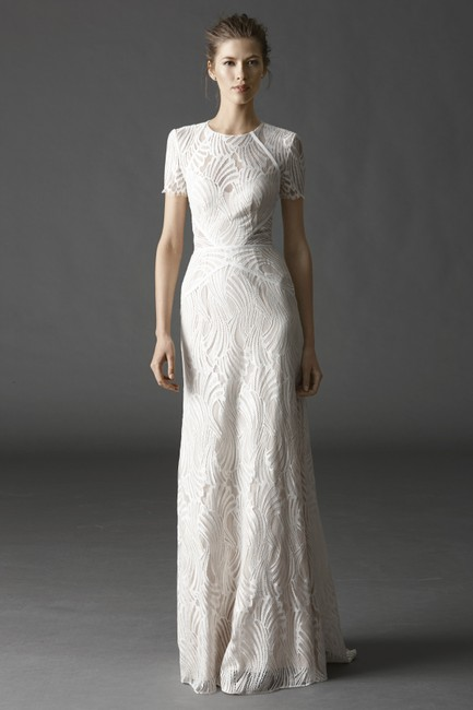 Item - Ivory/ Nude Lace Beilin Modern Wedding Dress Size 8 (M)