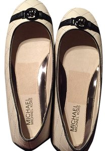 MICHAEL Michael Kors Cream/Black Flats