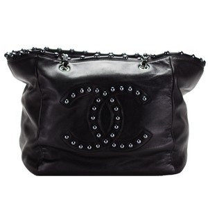 Chanel Vintage Pearl Obsession Iridescent Shopping Limited Edition Tote in Black