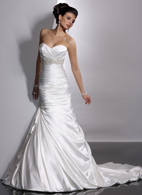 Item - Ivory Satin Adorae Formal Wedding Dress Size 10 (M)