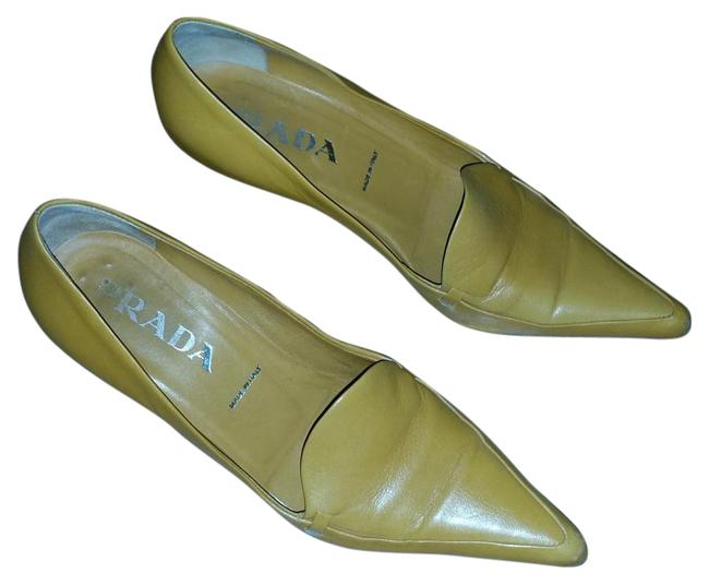 Item - Orange Yellow Classic Pumps Size US 6 Regular (M, B)