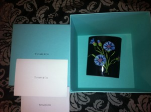 Tiffany & Co. NEW IN X-LARGE BOX/CARECARD PORCELAIN WILDFLOWERS VASE-RARE-RETAIL$425