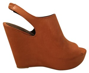 Elizabeth and James camel Wedges