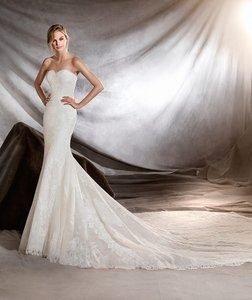 Pronovias Orilla Wedding Dress