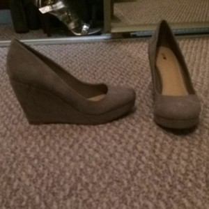 Apt. 9 Taupe Wedges