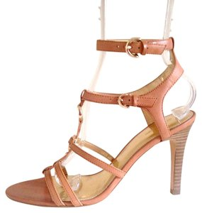 Coach Tan / rose Pumps
