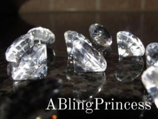 Preload https://item1.tradesy.com/images/diamond-400-nickel-sized-pieces-reception-decoration-184630-0-0.jpg?width=440&height=440