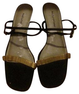Naturalizer Dressy Or Casual Slingback Style Excellent Condition Kitten Heels Mesh Toes gold chain & black Sandals