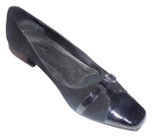 Vaneli Dressy Or Casual 40's Rockabilly Look Kitten Heels New Old Stock Buckle Designed Toe textured & smooth black leather Pumps