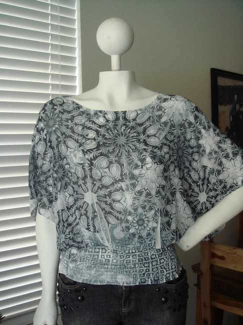 Other Geometric Print Print Kimono Sleeves Grey Faded Print Geometric Print Top white black Image 1