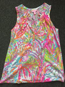 Lilly Pulitzer Top Colorful corals