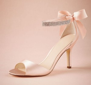 BHLDN Blush Stiletto Sandal Gems Crystal Bow Heels Formal Size US 9 Regular (M, B)