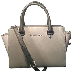 Michael Kors Tote in Black And Grey