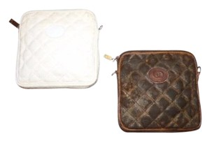 Gucci Set Of 2 Ad Strap To Wear Cosmetic Have Pulls/fob Show Wear-see Ad white canvas/leather & brown canvas/leather Clutch