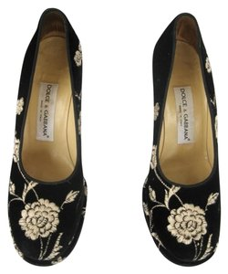 Dolce&Gabbana Velvet Embroidered Heels black gold Platforms