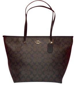 Coach F34104 F34104 Tote in LIGHT GOLD/BROWN/BLACK