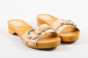 Gucci Nude Leather Beige Sandals