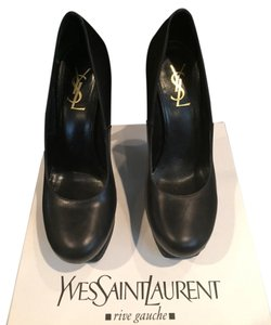 Yves Saint Laurent Black Pumps