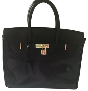 Maxwell scott Satchel