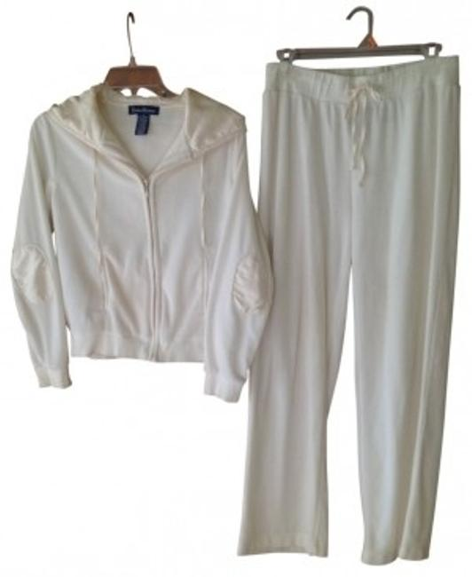Preload https://item2.tradesy.com/images/evan-picone-off-white-plush-velour-track-suit-activewear-size-8-m-18496-0-0.jpg?width=400&height=650