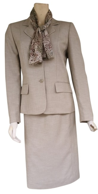 Item - Green W Pale Career W/ Scarf Skirt Suit Size 6 (S)